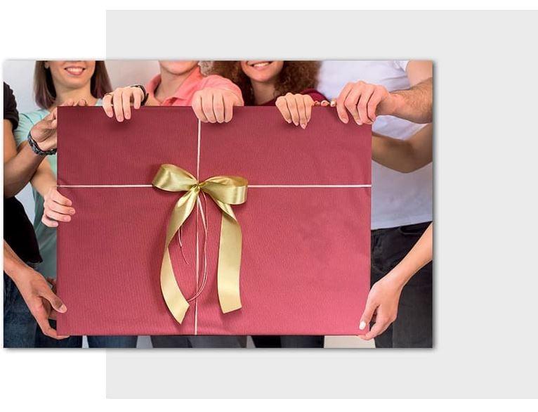 Добавете подаръчно опаковане за Вашата карикатура